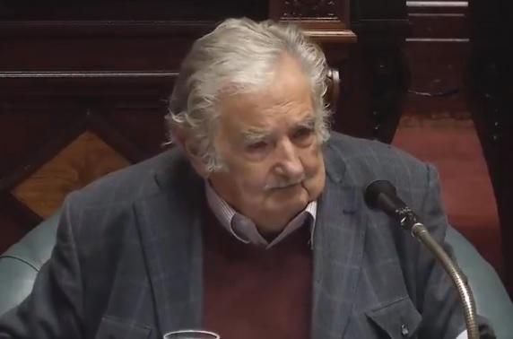 Pepe Mujica se retira del Senado uruguayo